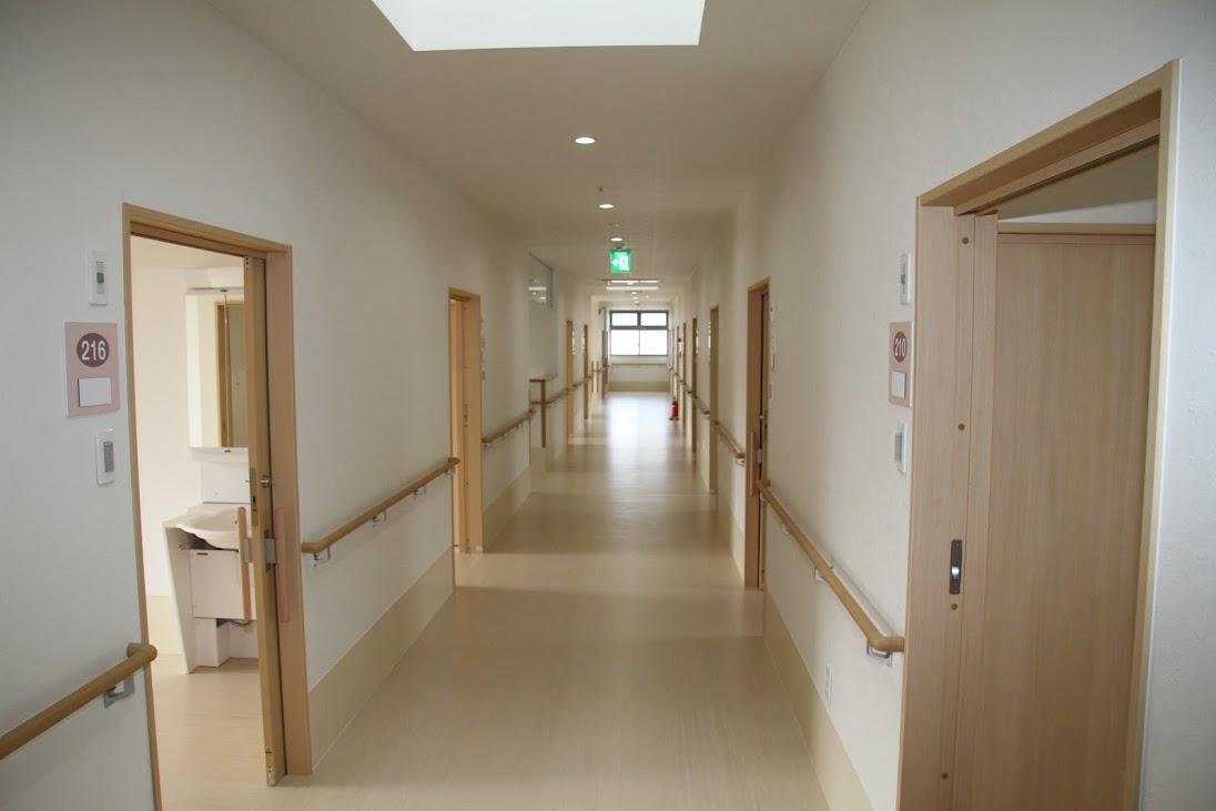 長崎サービス付高齢者向け住宅エターナルフォレスト1号館廊下